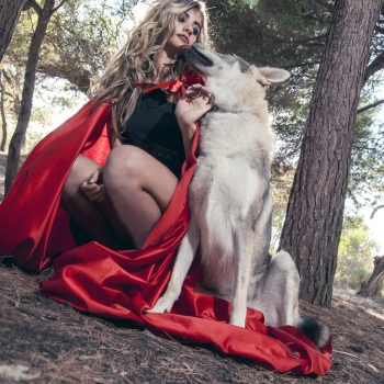 Red Riding Hood Shooting Kiss