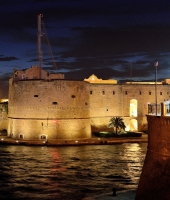 TARANTO BY NIGHT