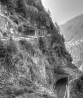 Una strada suggestiva in Valchiavenna